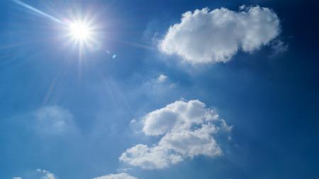 Zonnig juli topmaand voor zonnestroom, windenergie ziet een dip