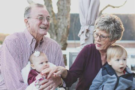 ABN Amro onderneemt actie en helpt oudere woningbezitters