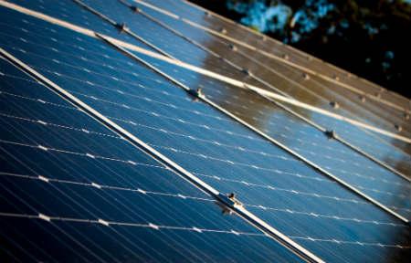 Zo verdient de buurt geld met zonnepanelen