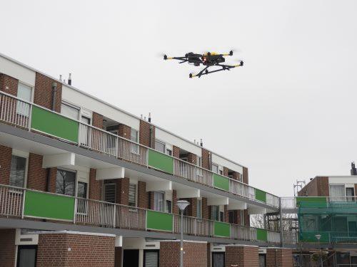 Primeur in Nederland: Woningcorporaties inspecteren met drones