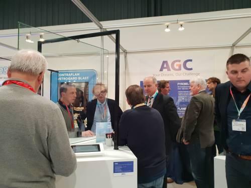 Vacuümglas op Bouwbeurs gepresenteerd door AGC