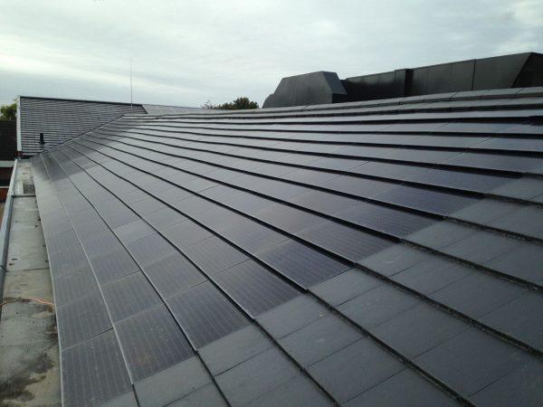 Exasun wint innovatieprijs voor gekleurde zonnepanelen