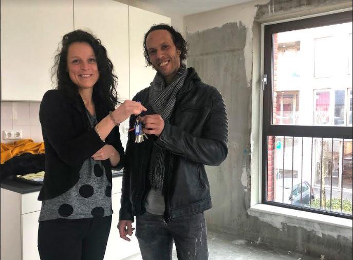 Bewoners krijgen sleutel van hun sociale huurwoning in Hogekwartier – Amersfoort